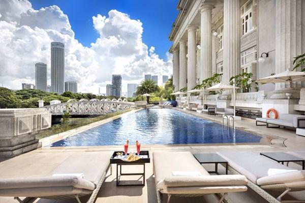 rs_600x0_swimming_pool_iii_-_the_fullerton_hotel_singapore