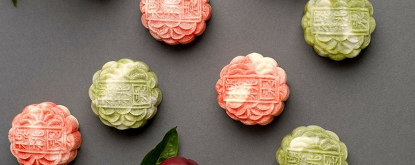 3 green and 3 pink mooncakes