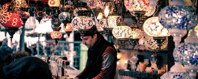 traditional-store-arabian-lamps-min