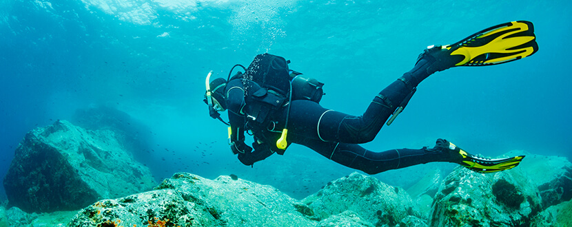 scuba diving under sea -SingSaver