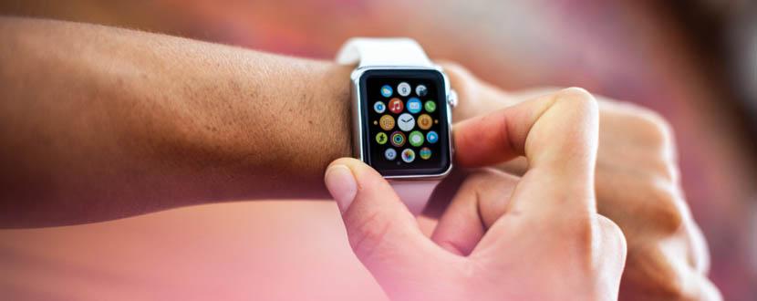 guy navigating menu icons on smart watch -SingSaver