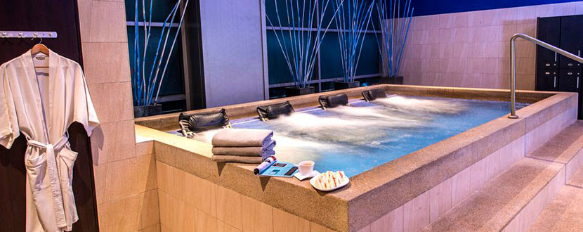 Jacuzzi in a spa -SingSaver