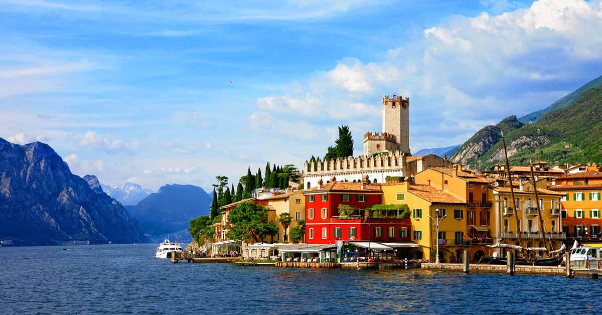 Lake Garda in Italy - SingSaver