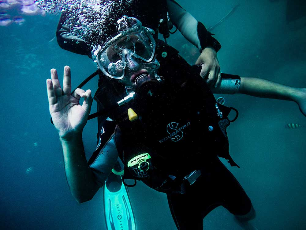 Diving and Water Sports Travel Insurance | SingSaver