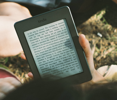 Amazon Kindle 12 Great Valentine's Gifts for Guys | SingSaver
