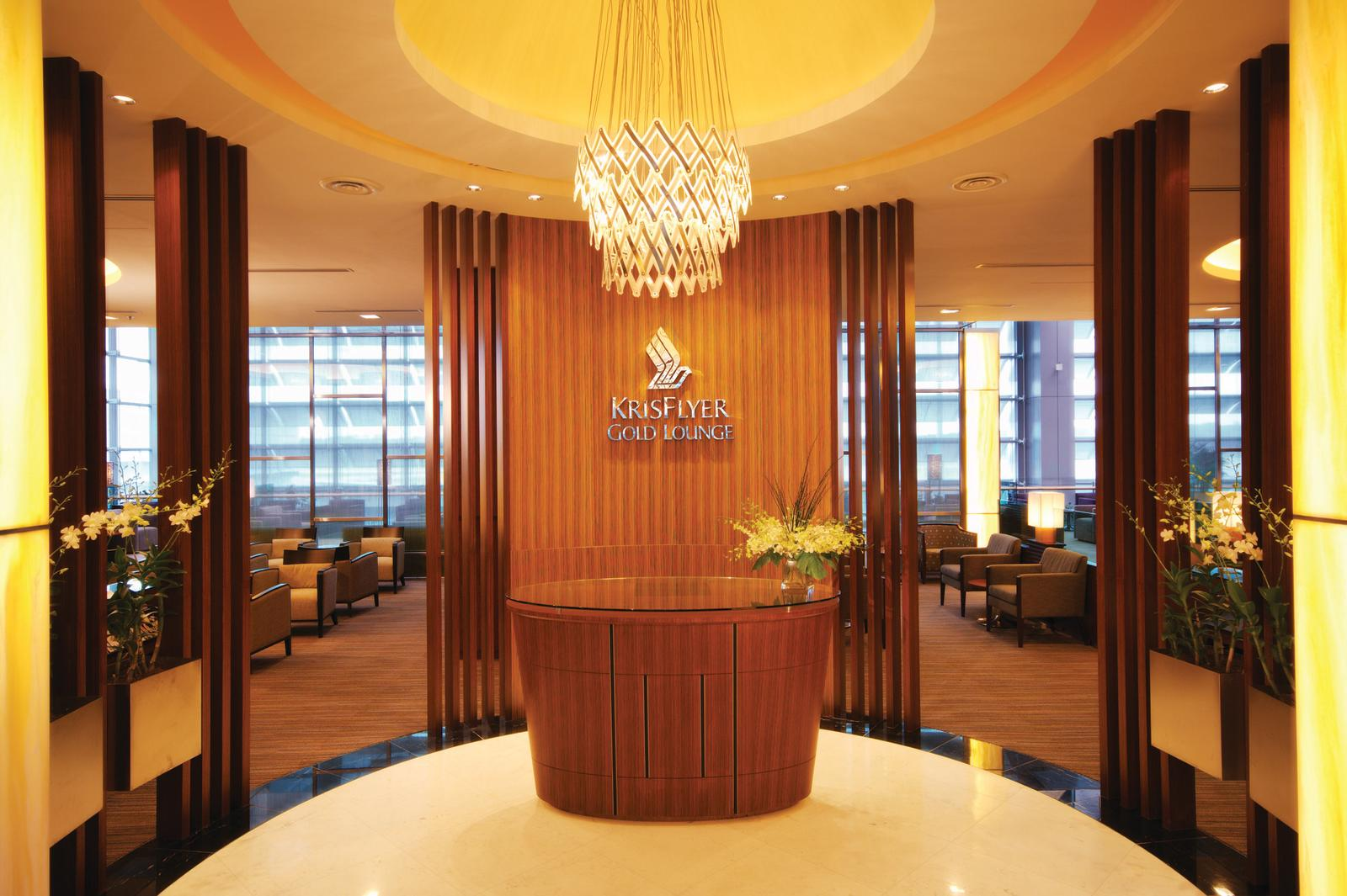 AMEX Ascend Cardholders Offered Accelerated Upgrade to Singapore Airlines KrisFlyer Elite Gold Membership | SingSaver