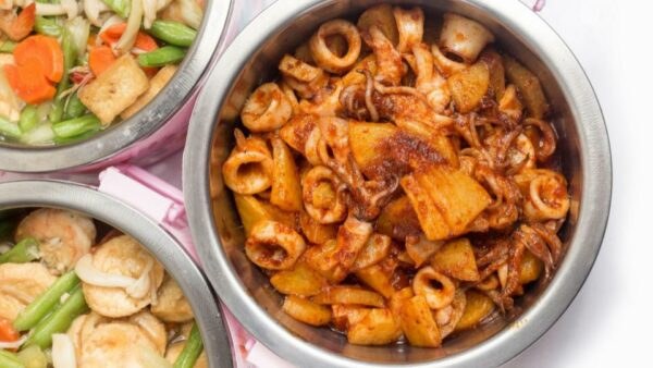 Tingkat Delivery In Singapore: Home-Cooked Meals Delivered To Your Doorstep