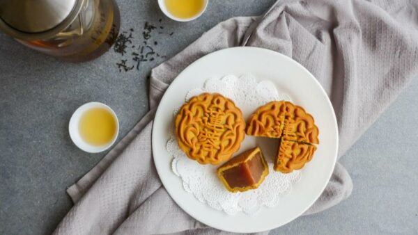 10 Best Mooncakes In Singapore To Buy This Mid-Autumn Festival 2021